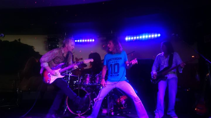 Bourbon Street – live at The Coolangatta Hotel
